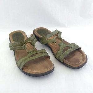 Life Stride 7M Sandals Green Faux Leather Strappy